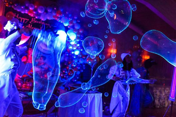 шоу неоновых пузырей.jpeg