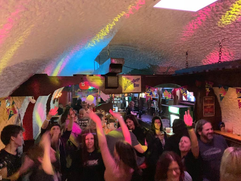 We Love 80s in der High Five Bar