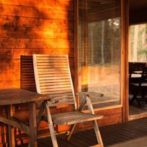 Päikeseloojang sauna terrassil