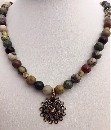 Stylish Earth Toned Agate Necklace