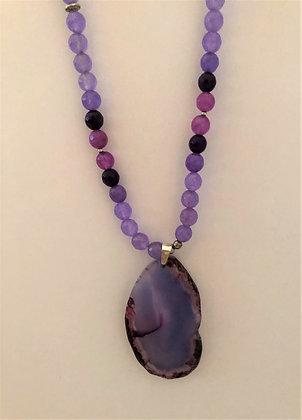 Beautiful Purple Pendant Agate Beaded Necklace