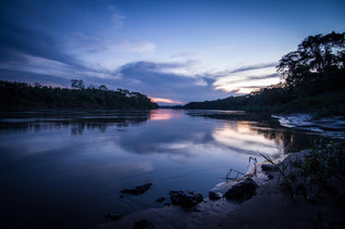 Rio Tambopata oscurecer
