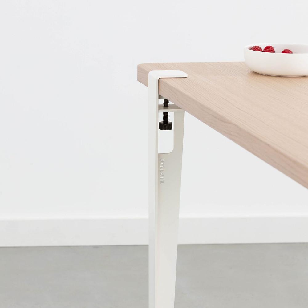 Pied de table démontable de Tip Toe avec plateau en chêne massif