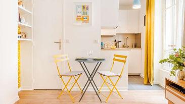 Aménager un espace repas dans un studio