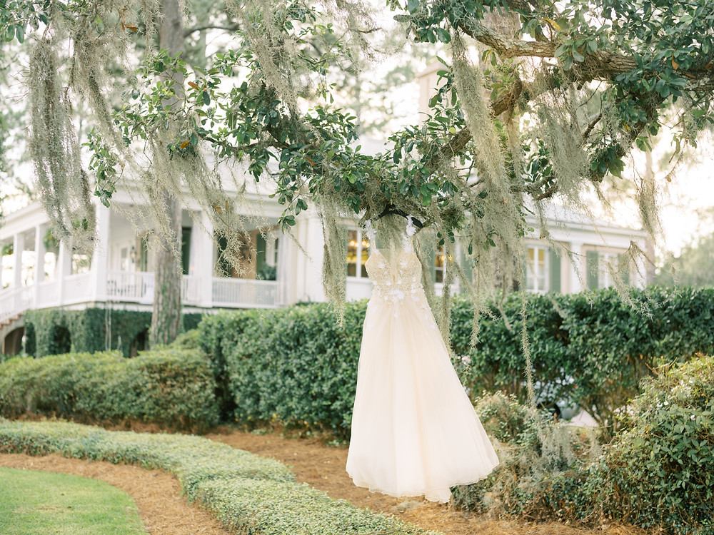 Wedding Dress at Oldfield Club in Bluffton, South Carolina