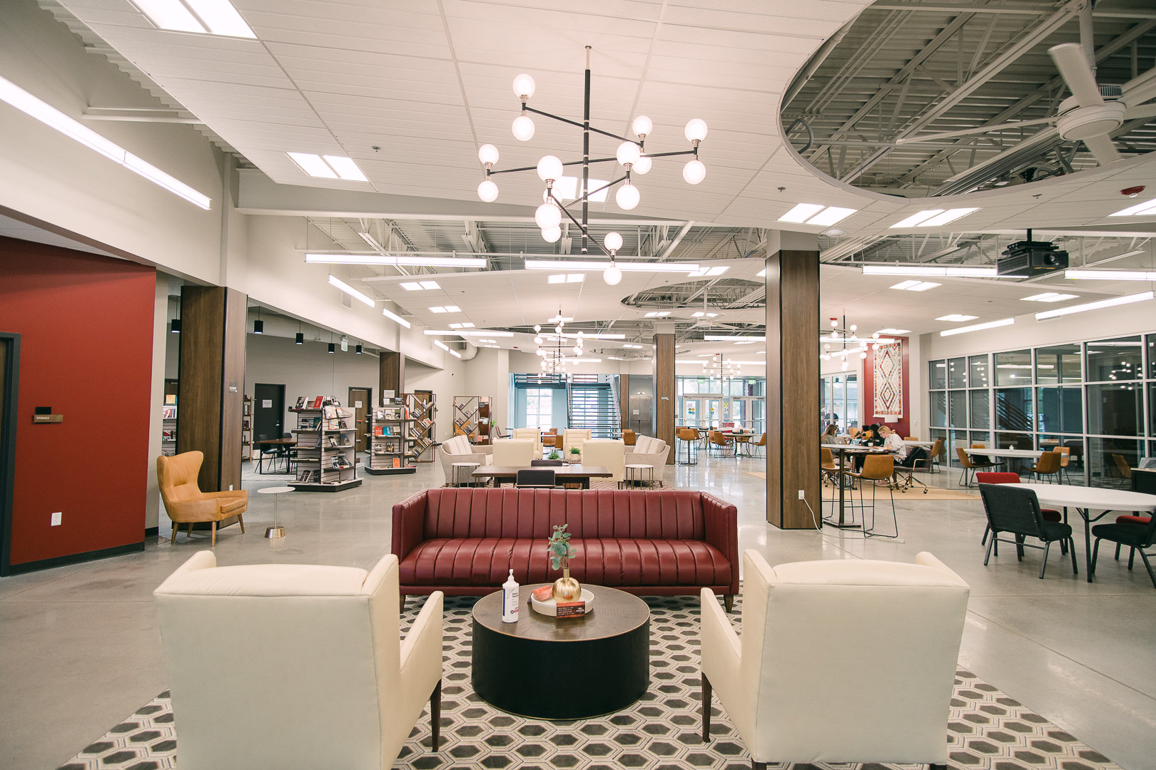 Haystack Lounge (1st Floor Lobby)