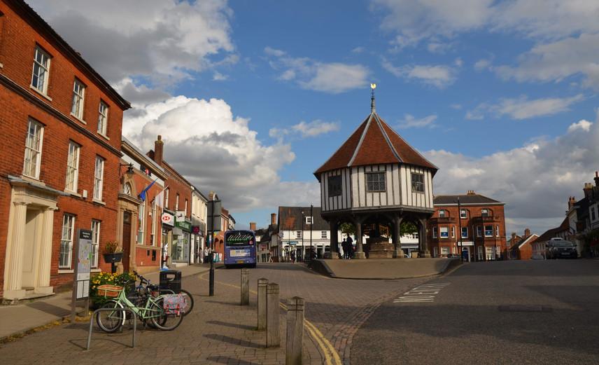 Wymondham Market Place © Cmglee