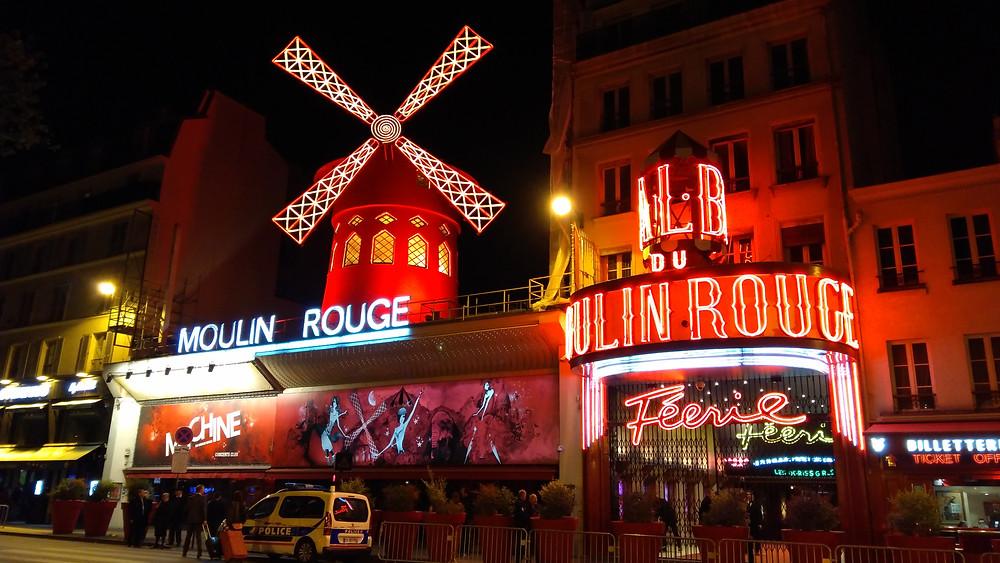 L'histoire du cabaret en France : réservations, contacts