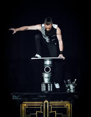 Duo acrobates contorsions jongleurs Epic