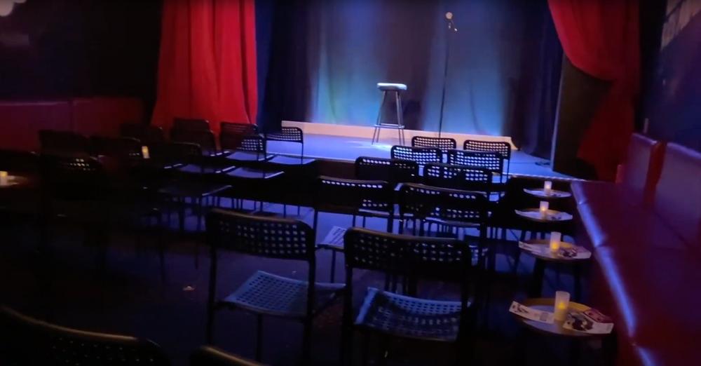 Créé dans les années 1990 par Eliane Zayan, le Quai du rire est un lieu incontournable pour les Marseillais. C'est un café-théâtre disposant de deux salles avec deux atmosphères totalement différentes.