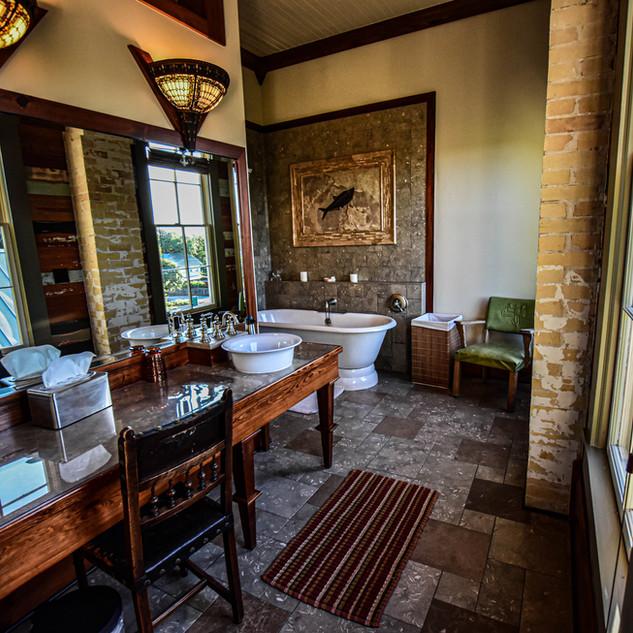 Roosevelt Bathroom