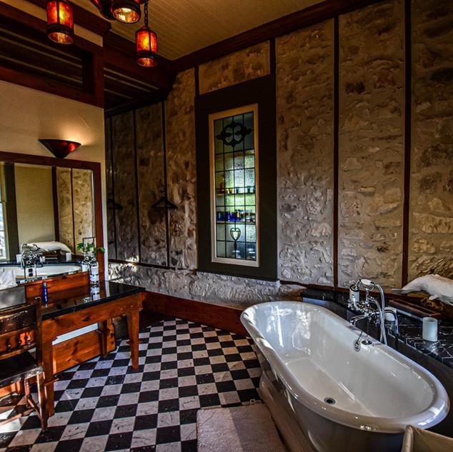 Shackleton Bathroom