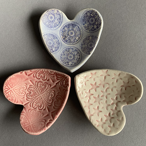 Trio of heart dishes - pinks