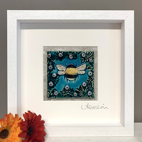Small 'Bee' Tile Frame