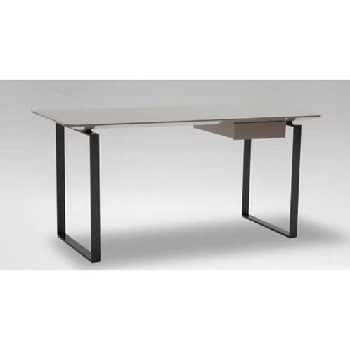 Camerich_Verge Desk C05A0801