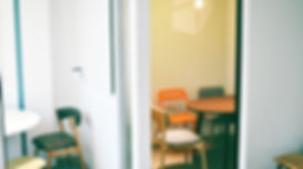 Educator_small_classroom