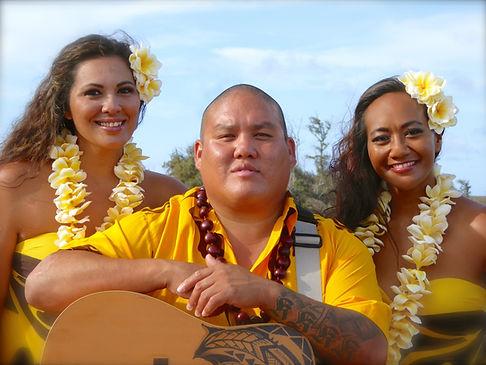 hula dancing hawaiian entertainment live singing guitar ukelele