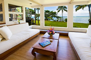 anini beach spacious oceanfront luxury vacation rental north shore kauai
