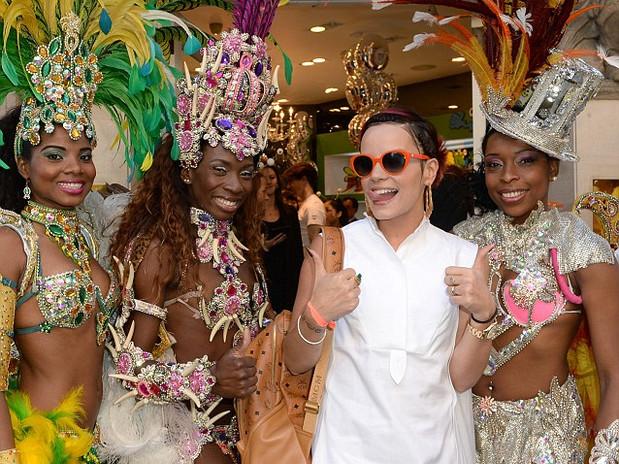 TROPICALIA BRAZILIAN DANCERS WITH LILI ALLEN