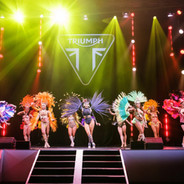 Tropicalia Carnival Dancers Show