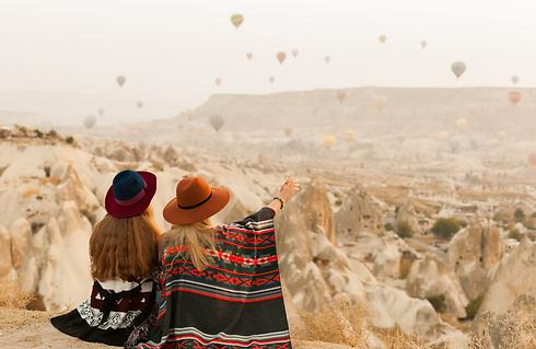 Bolleras viajeras - Viaja en pareja. Agencia de viajes y turismo para mujeres lesbianas, bisexuales, transexuales, LGTBI o lesbian friendly a las que les guste viajar y hacer turismo.