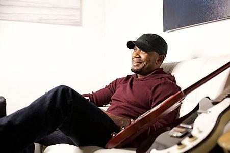 Tony Jackson PR Shot guitar epiphone Country Singer