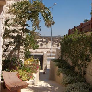 Saul's gardens 002.jpg