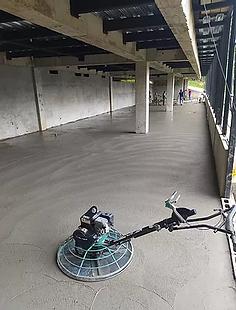 cemento pulido con helicopteros.webp