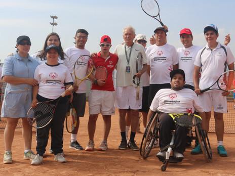 Recibe una Certificación de Tenis y Medición ITN de Olimpiadas Especiales