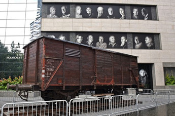 Holocaust Cattle Car Picture2.jpg