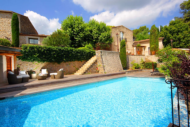 terres-de-jade-locations-occitanie-piscine