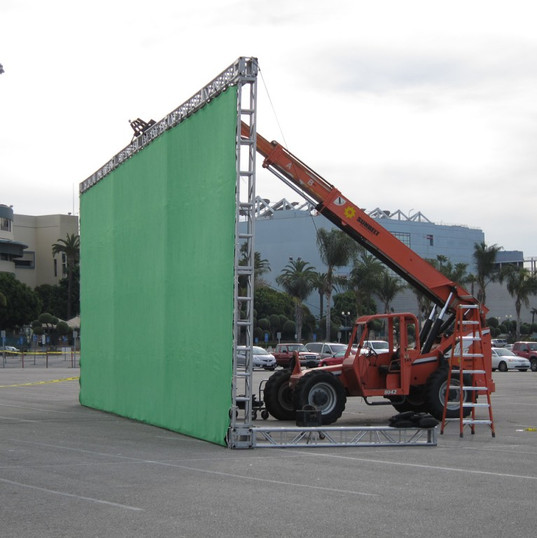 GreenScreen-rig-tri-truss.jpg