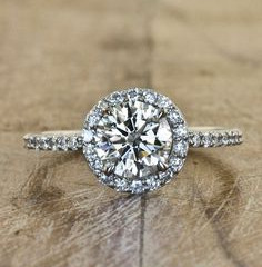11 Tips on Choosing an Engagement Ring