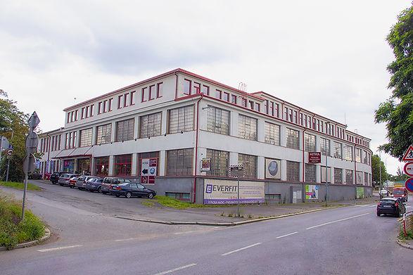 uni4m budova 960px.jpg