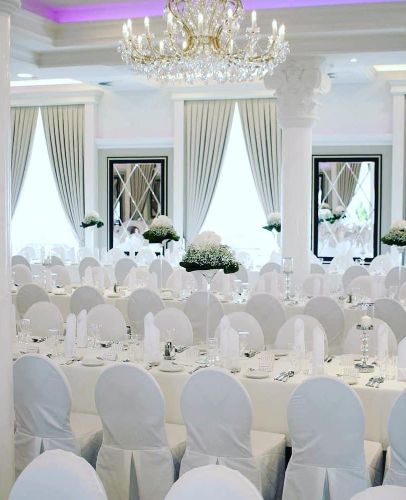 Saal Hochzeit Villa Bowdy zankyou Locati
