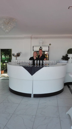 Bar im Garten Pavillon Villa Bowdy
