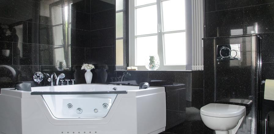 Goldene Suite mit Whirlpool