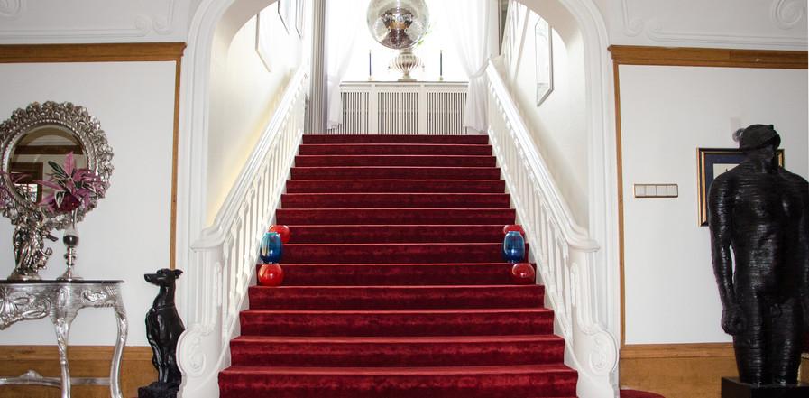 Villa Vera große Treppe zu den Zimmern