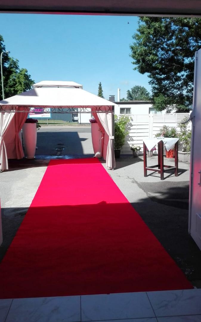 Eingang_Pavillon_Villa_Bowdy_Location_mi