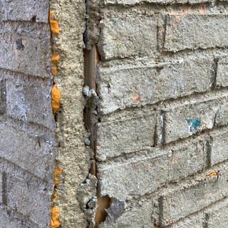 低度探測-磚房
