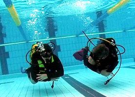 entrenamiento buceo piscina.jpg