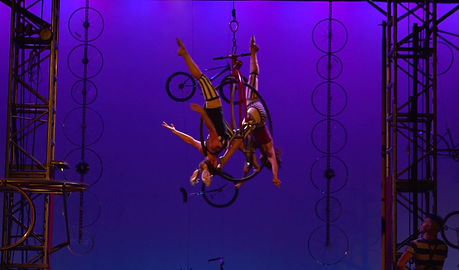 Dine N Drive Circus by Cirque Mechanics