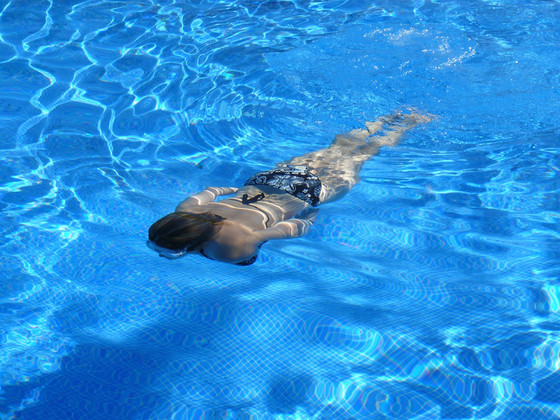 איך יום אחד בגיל 35 למדתי לשחות?