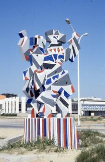 La Danse,sculpture mise en place sur le front de mer à Soulac-sur-Mer, Gironde, 1970
