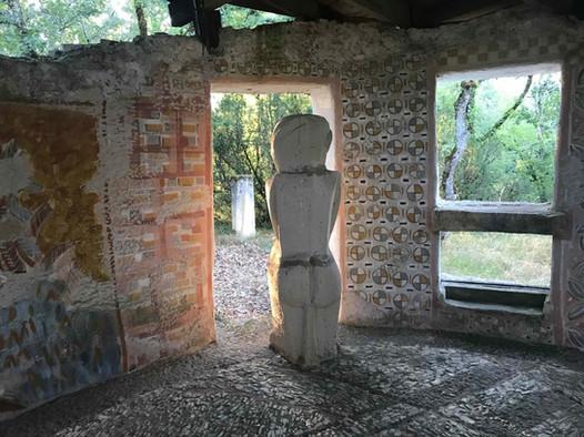 La Villa Dominique, 1985