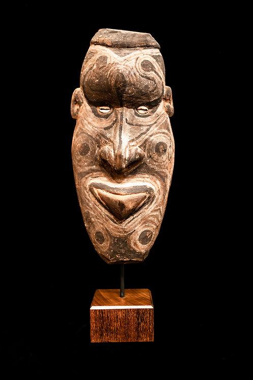 TAMBUAN MASK - MIDDLE SEPIK RIVER - PAPUA NEW GUINEA