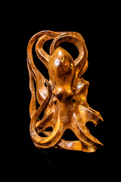 BLUE-RINGED OCTOPUS CARVING - SOLOMON ISLANDS