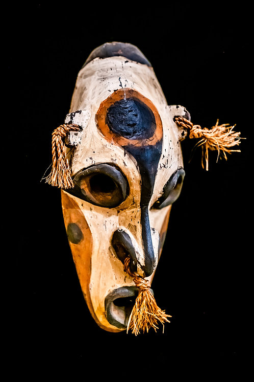 WOMBUM VILLAGE CANOE MASK - PAPUA NEW GUINEA