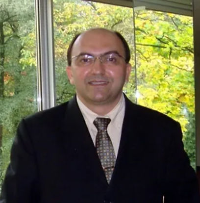 Dr. Carlos Roberto.jpg
