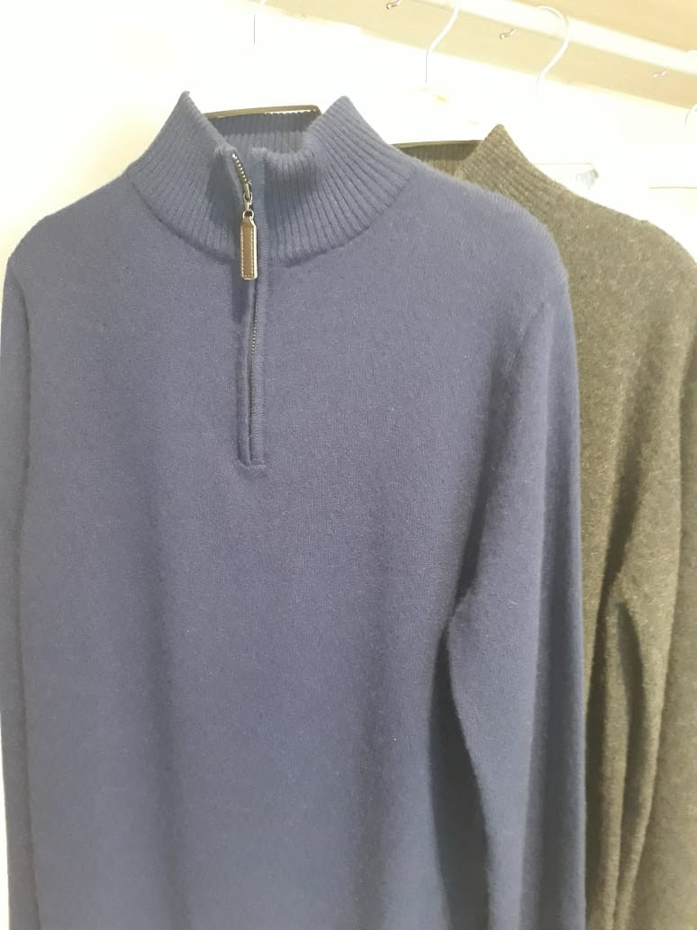 Men quarter Zip